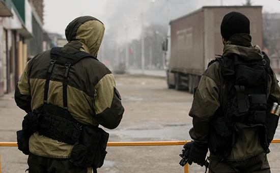 Бойцы спецподразделения МВД Чеченской республики во время проведения КТО в Грозном