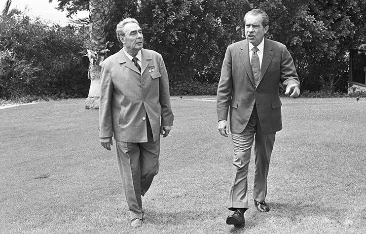 Генсек ЦК КПСС Леонид Брежнев и президент США Ричард Никсонв Сан-Клементе, Калифорния. 1973 год