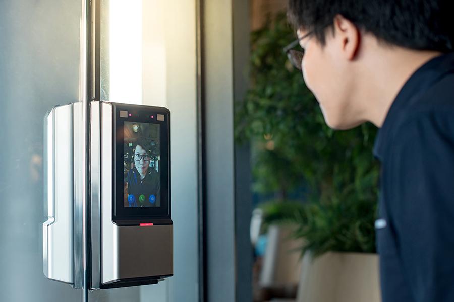 Системы распознавания лиц применяют во благо горожан, но, как и при использовании любой другой технологии, есть определенные риски
