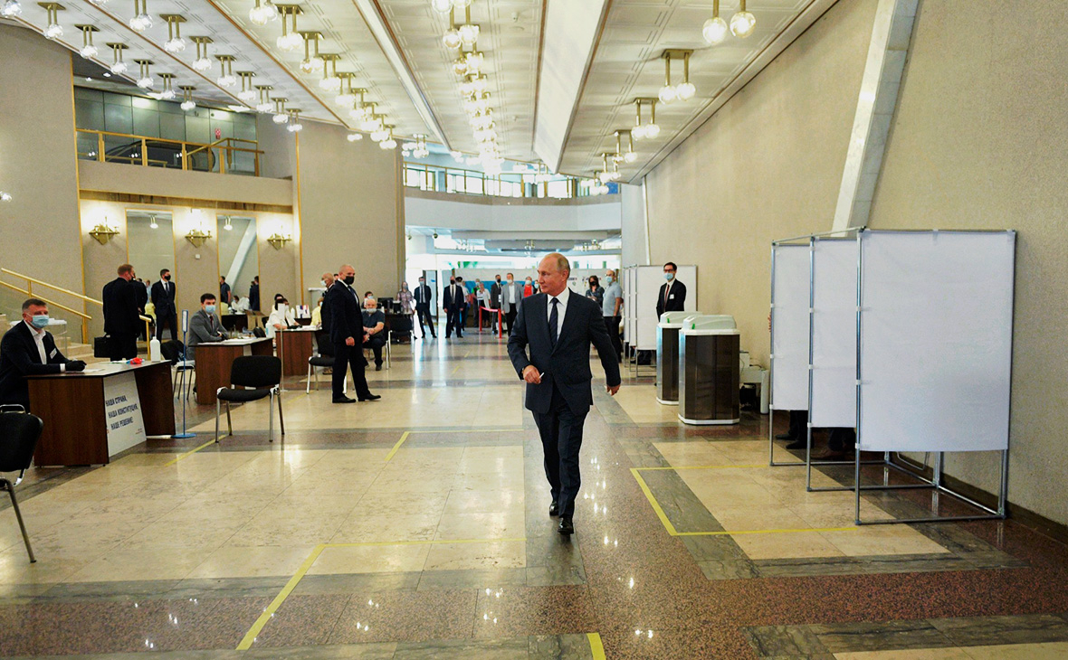 Владимир Путинна избирательном участке № 2151