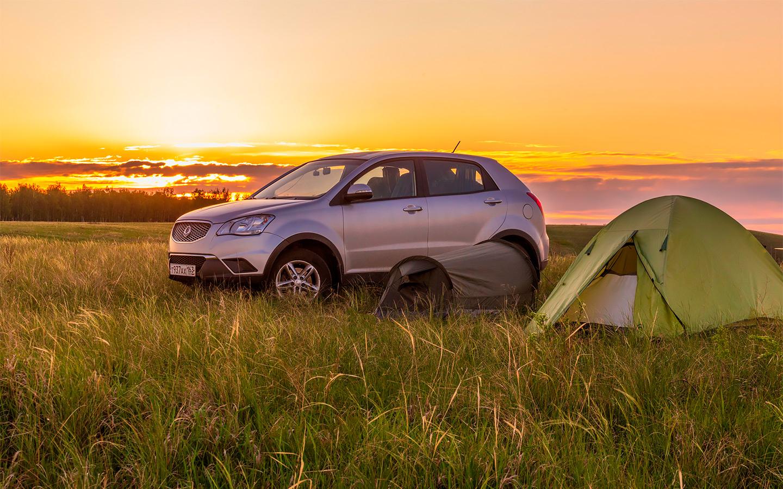 Российским водителям нужно быть внимательными во время отдыха на природе — иначе можно попасть на очень крупные штрафы.