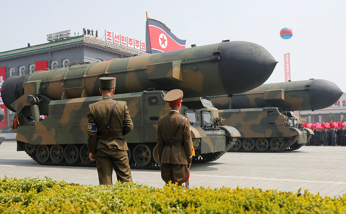 Парад военной техникив Пхеньяне. 15 апреля 2017 года