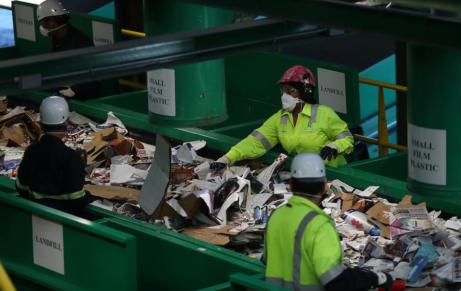 Завод Recology по сортировке мусора