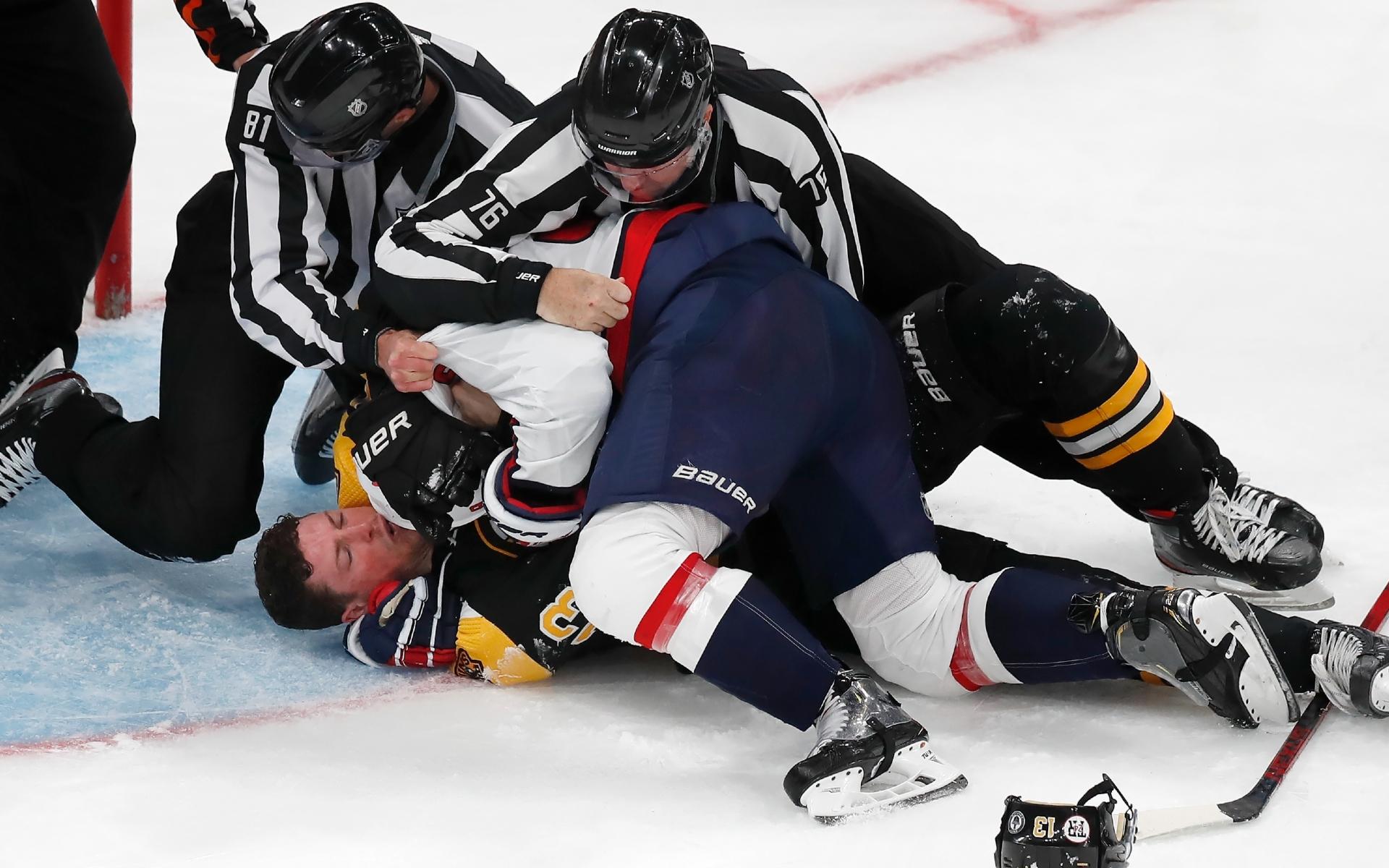 Фото: Дмитрий Орлов и Чарли Койл (AP Photo/Michael Dwyer)