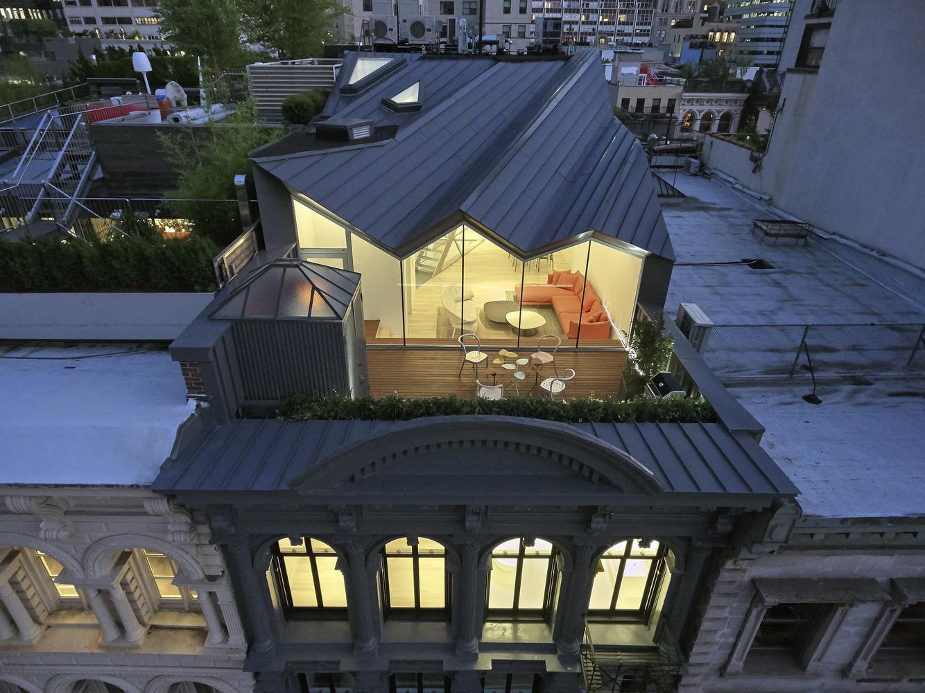 Номинация «Реконструкция»  Объект: The Stealth Building  Расположение: Нью-Йорк, США  Архитектурное бюро: WORKac
