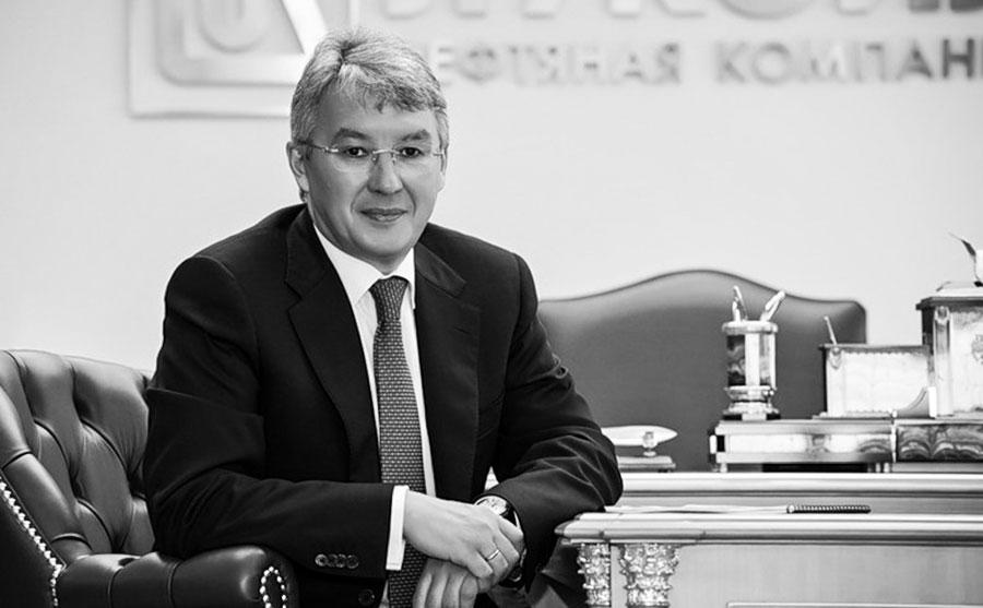 Азат Шамсуаров