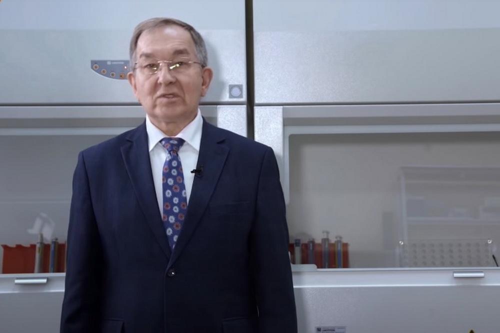 Вирусолог Сергей Нетесов