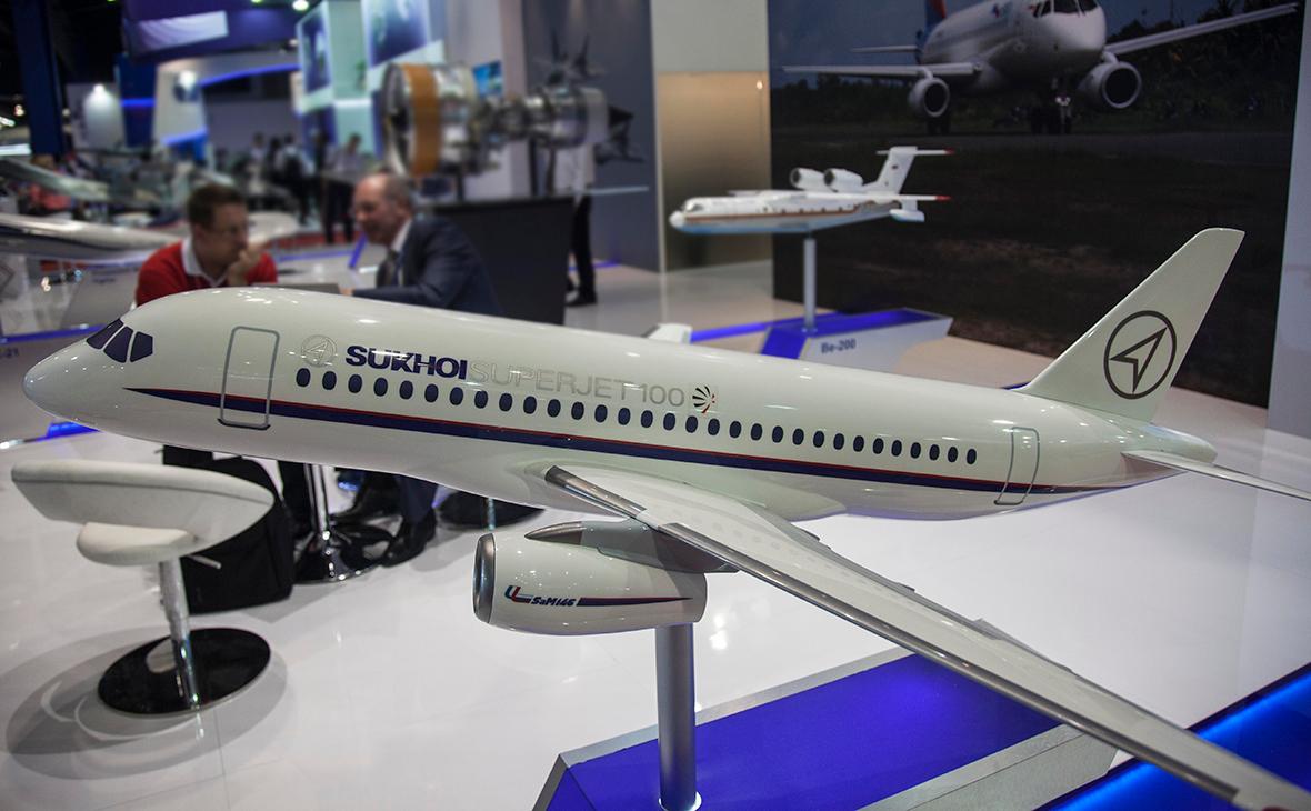 Модель самолетаSukhoi Superjet 100