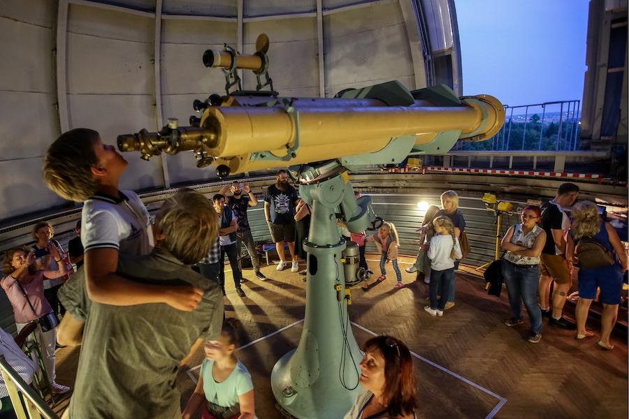 Наблюдение за лунным затмением в Пулковской обсерватории, 2018 год