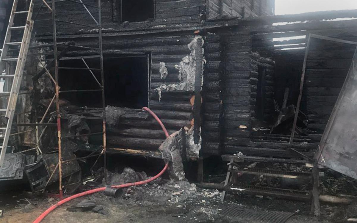 СК завел дело после гибели двух детей из-за пожара в Сургуте