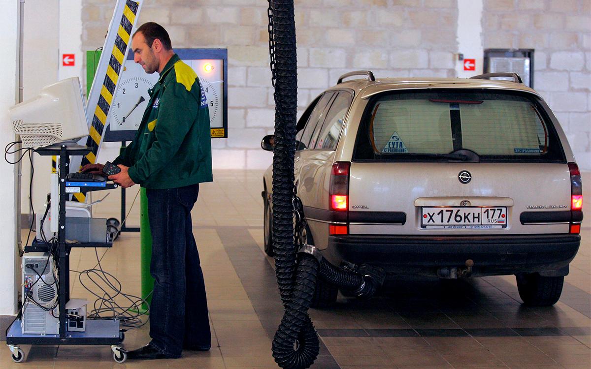 <p>Автомобили старше десяти лет должны будут проходить процедуру техосмотра ежегодно.</p>