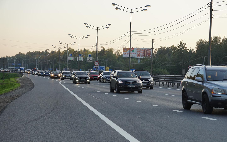<p>Самое распространенное нарушение на скоростных загородных шоссе&nbsp;&mdash; движение со скоростью, превышающей максимально допустимые значения.</p>