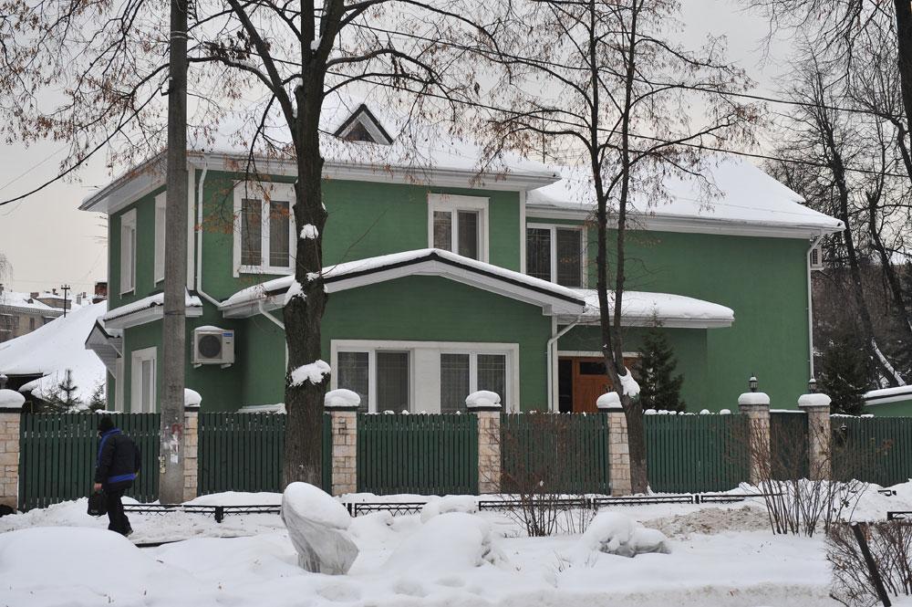 На территории поселка Сокол («поселок художников»)