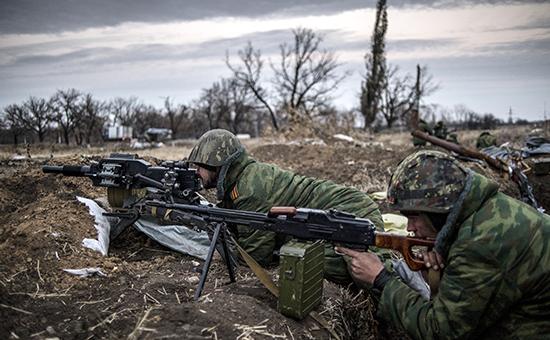 Ополченцы на первой линии обороны. Архив