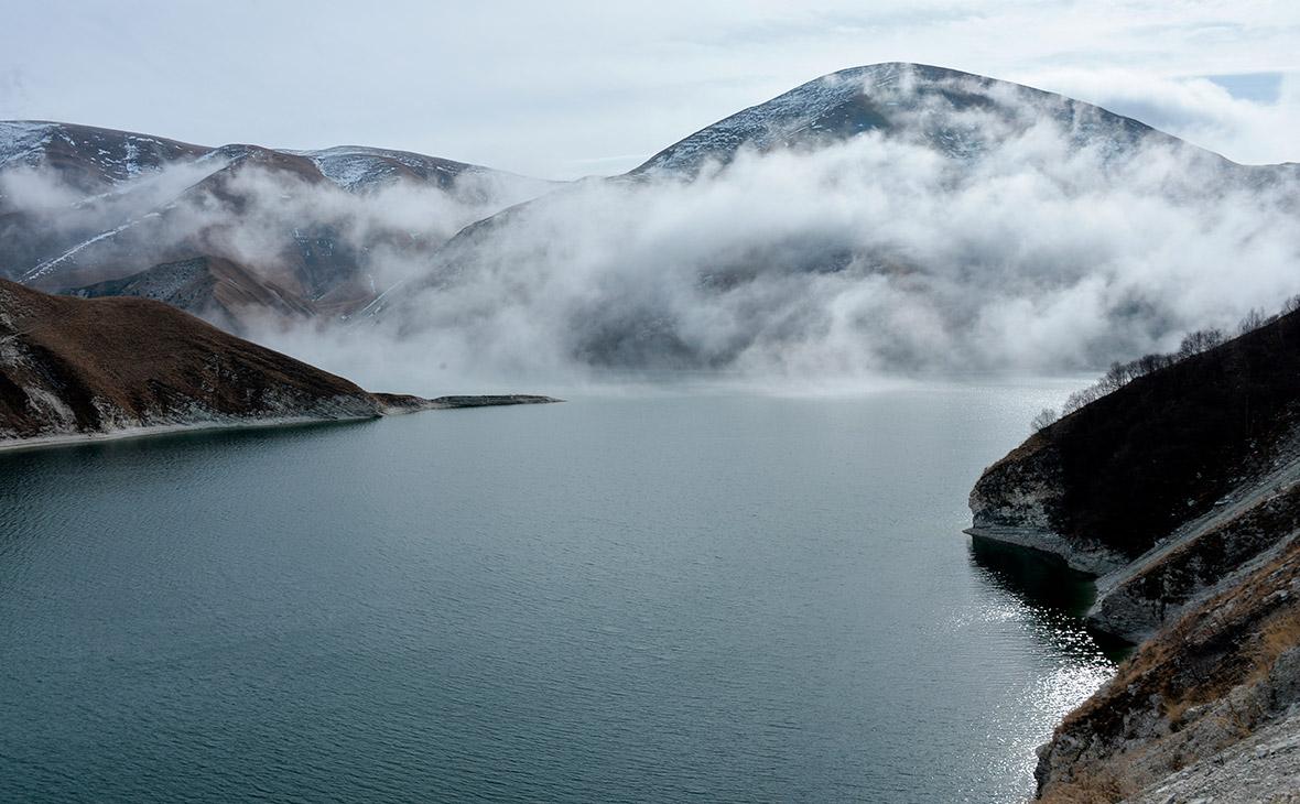 Высокогорное озеро Кезеной-Ам в Веденскеом районе Чеченской республики