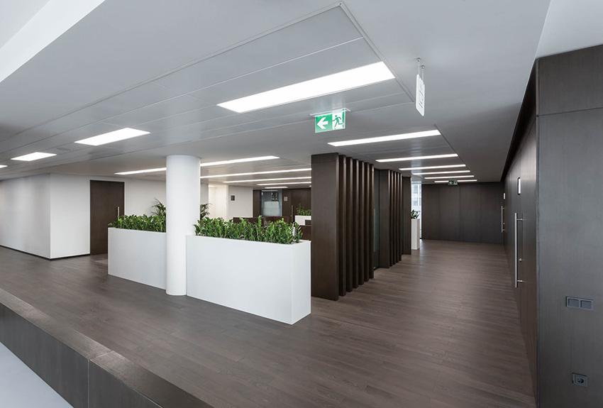 Общественное пространство внутри офиса