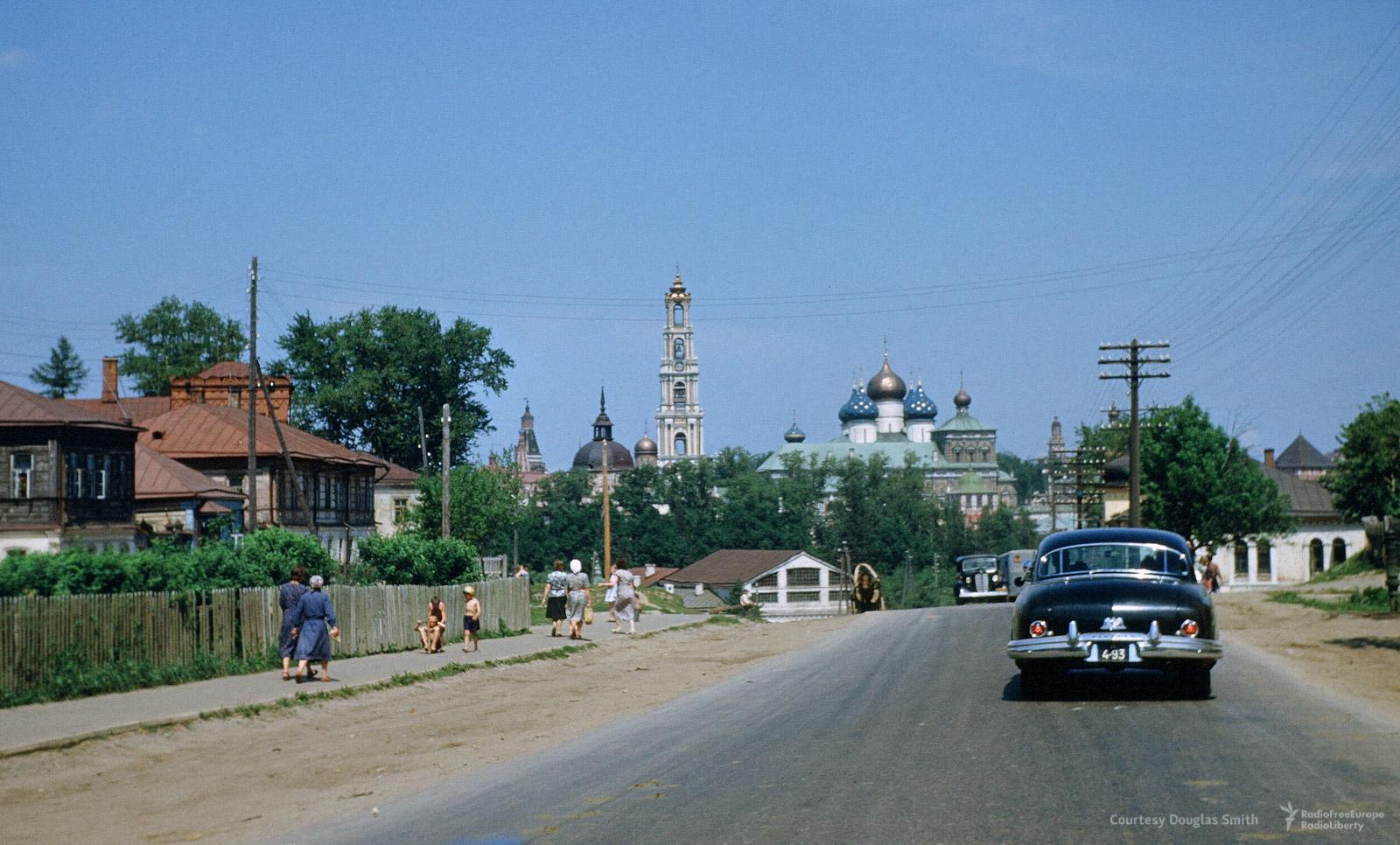 Троице-Сергиева лавра в70км ксеверо-востоку отМосквы