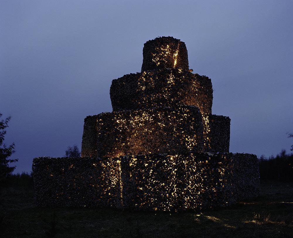 «Дровяная башня». 2001 год