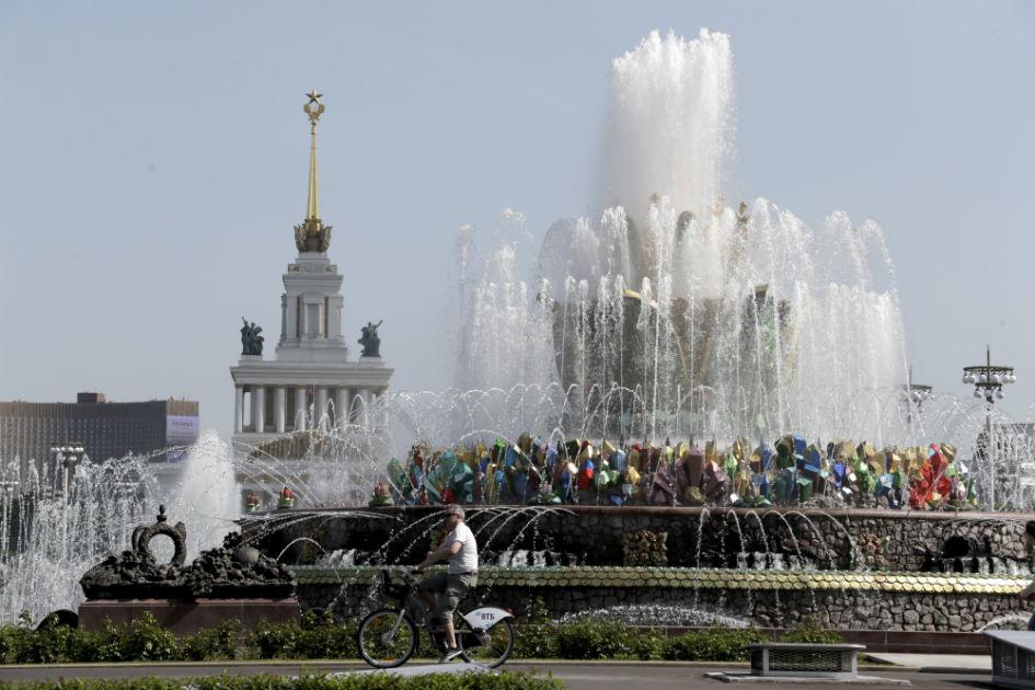 Сезон фонтанов был открыт после окончания режима самоизоляции 10 июня
