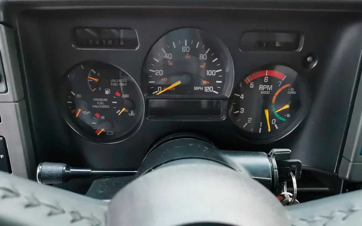 Внедорожник быстрее Ferrari: тест-драйв GMC Typhoon
