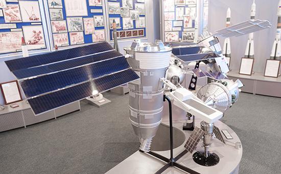 Макет космического аппарата «Ресурс-П»