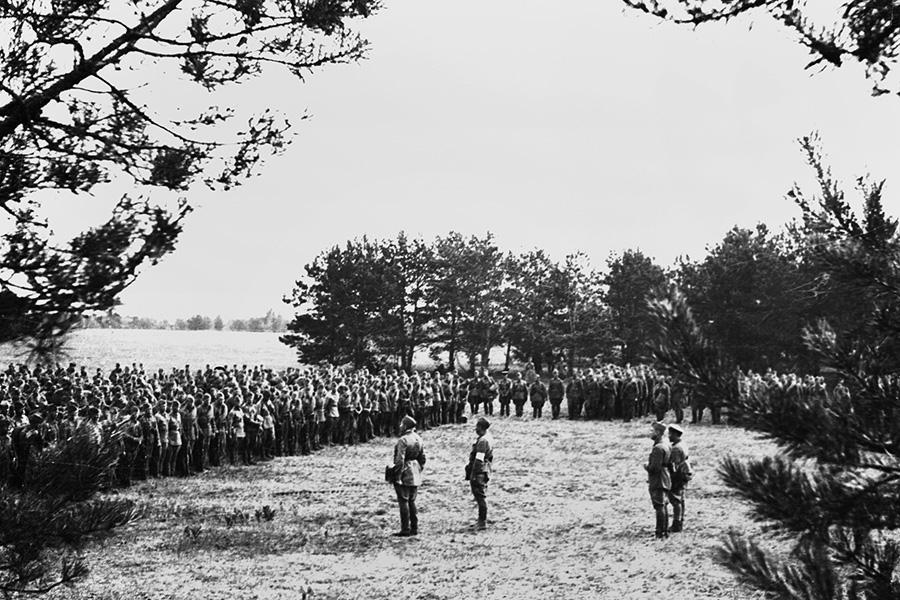Сбор красноармейцев в связи с начавшейся войной,22 июня 1941г.