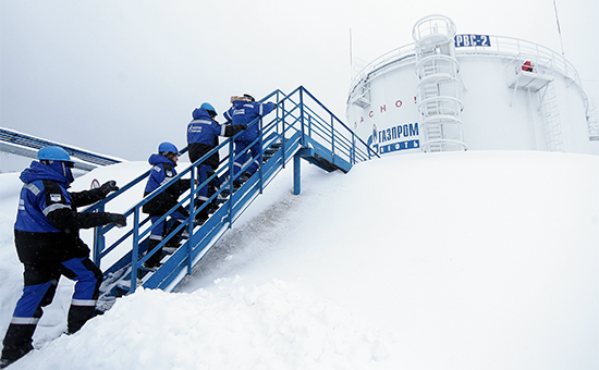 Добыча нефти на Южно-Приобском месторождении в Югре. Декабрь 2015 года