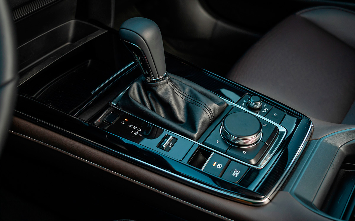 <p>Селектор автоматической коробки передач Mazda CX-30</p>
