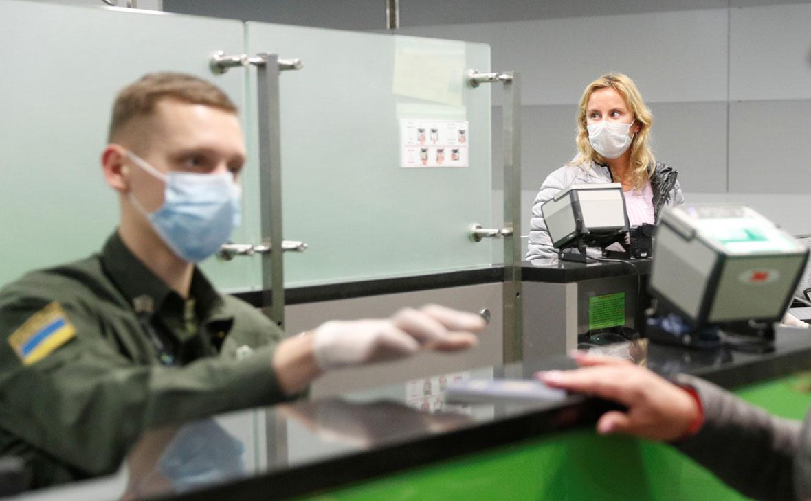 Власти Украины сообщили о планах ввести паспорта вакцинации с 1 июля