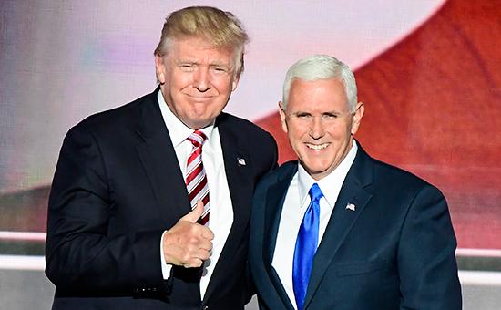 Миллиардер ДональдТрамп (слева)и кандидат на пост вице-президента США Майк Пенс