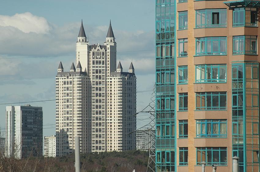 Управделами президента купит более 100 квартир в Москве