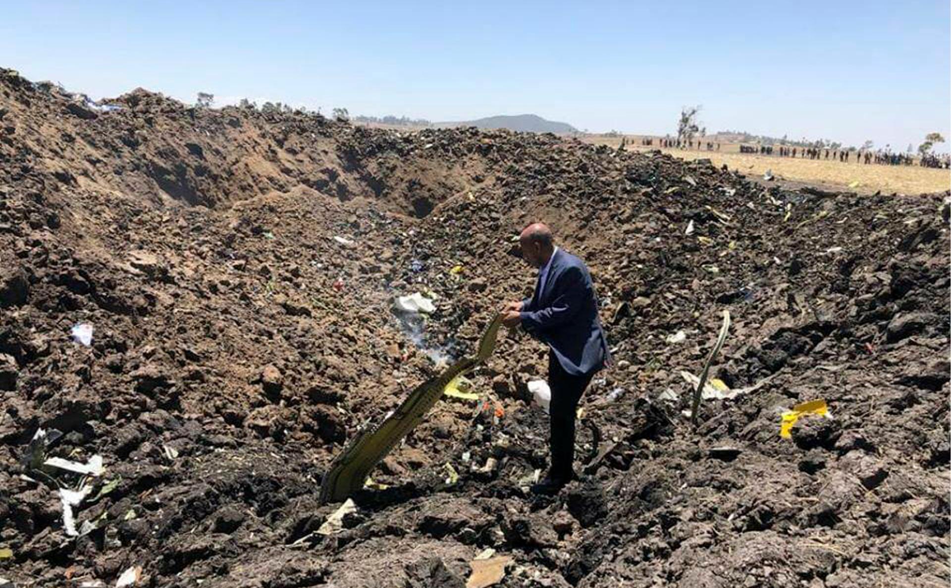 CEO Ethiopian Airlines Теволде Гибремариам на месте крушения