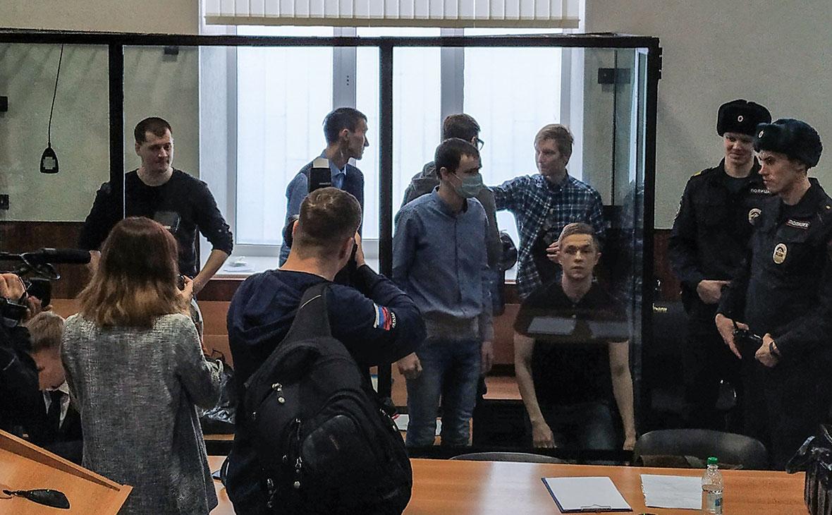 Фигуранты дела террористического сообщества «Сеть» во время оглашения приговора