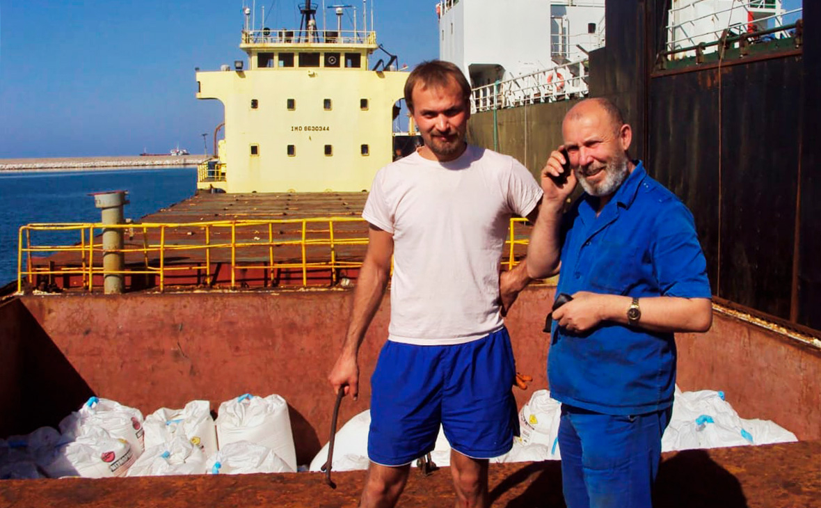 Борис Прокошев (справа)