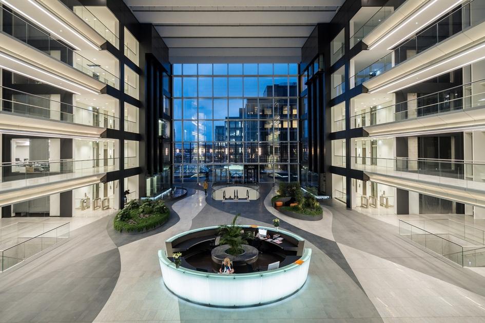 Номинация «Среда иинфраструктура бизнес-центра илиделового квартала» Офисный парк Comcity / архитектурная студия Cigler Marani Architects