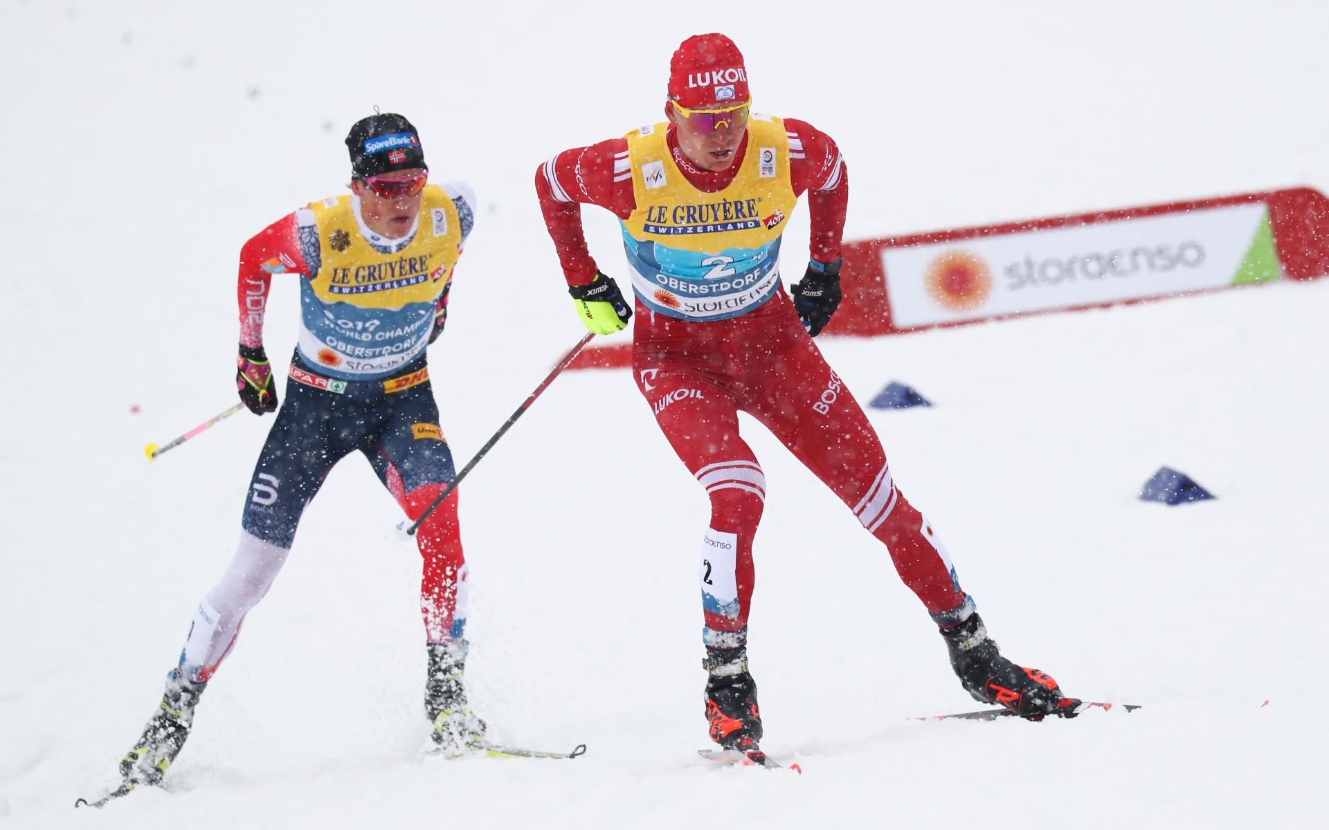 Сломавшего палку Большунову норвежского лыжника Клебо дисквалифицировали