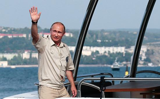 Рабочая поездка президента России Владимира Путина в Крымский федеральный округ. 18 августа 2015 года