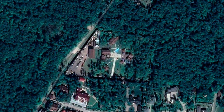 Вид со спутника на съемочную площадку