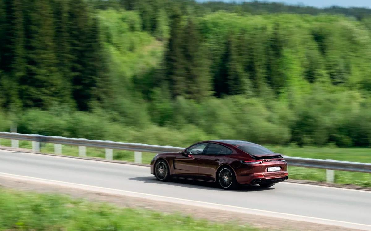 <p>Мощность двигателя Porsche Turbo S удалось поднять с 550 до 630 лошадиных сил.</p>  <p></p>