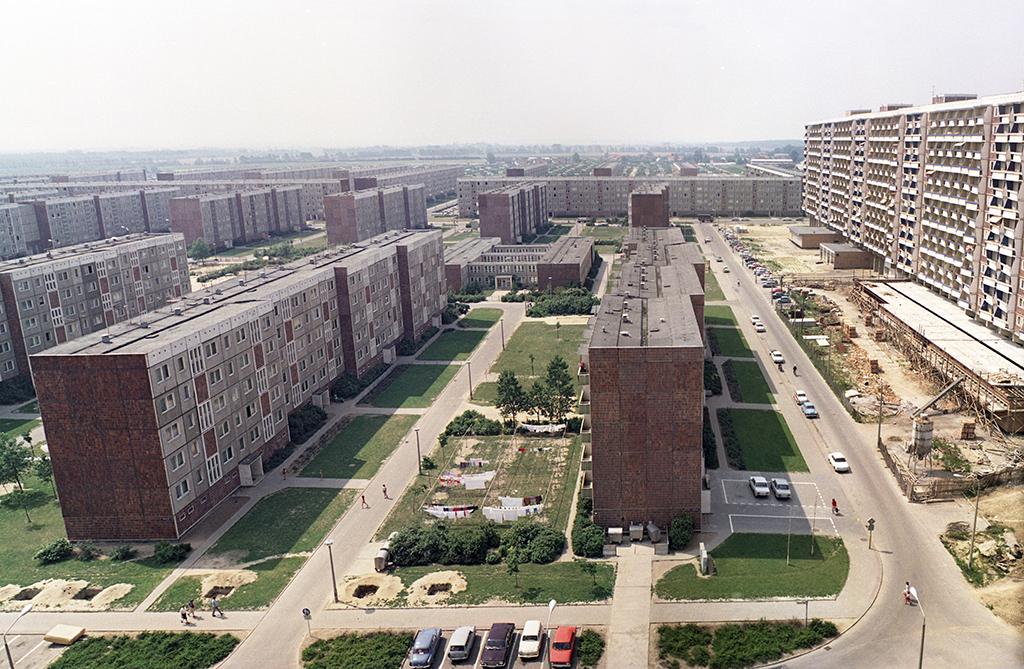 Пятиэтажки вРостоке, Германская Демократическая Республика. 1976 год