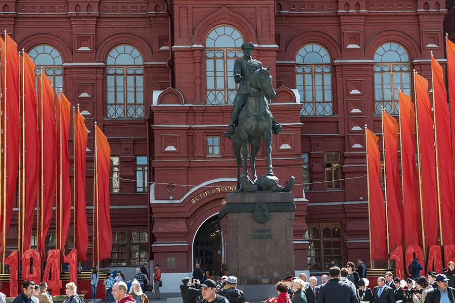 Памятник маршалу Жукову, 2015 год