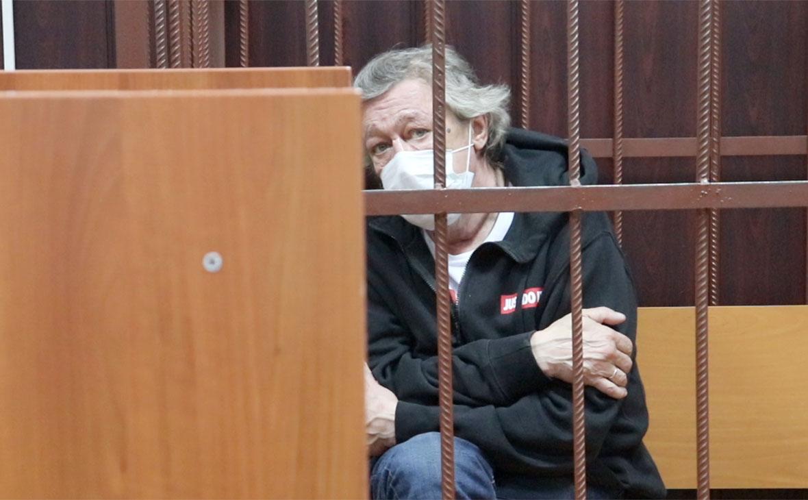 Михаил Ефремов в здании Таганского суда