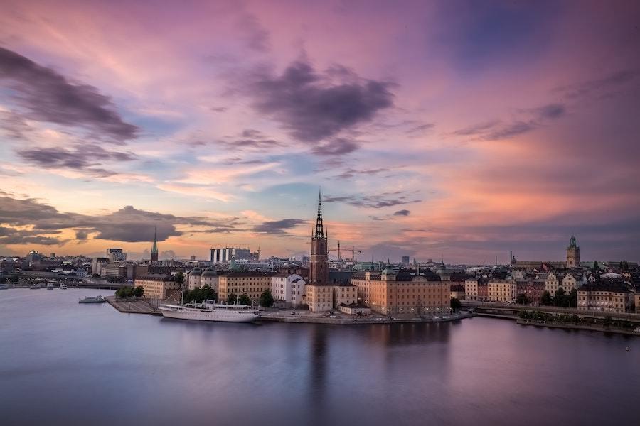 Швеция — одна из первых стран, где началось массовое чипирование людей