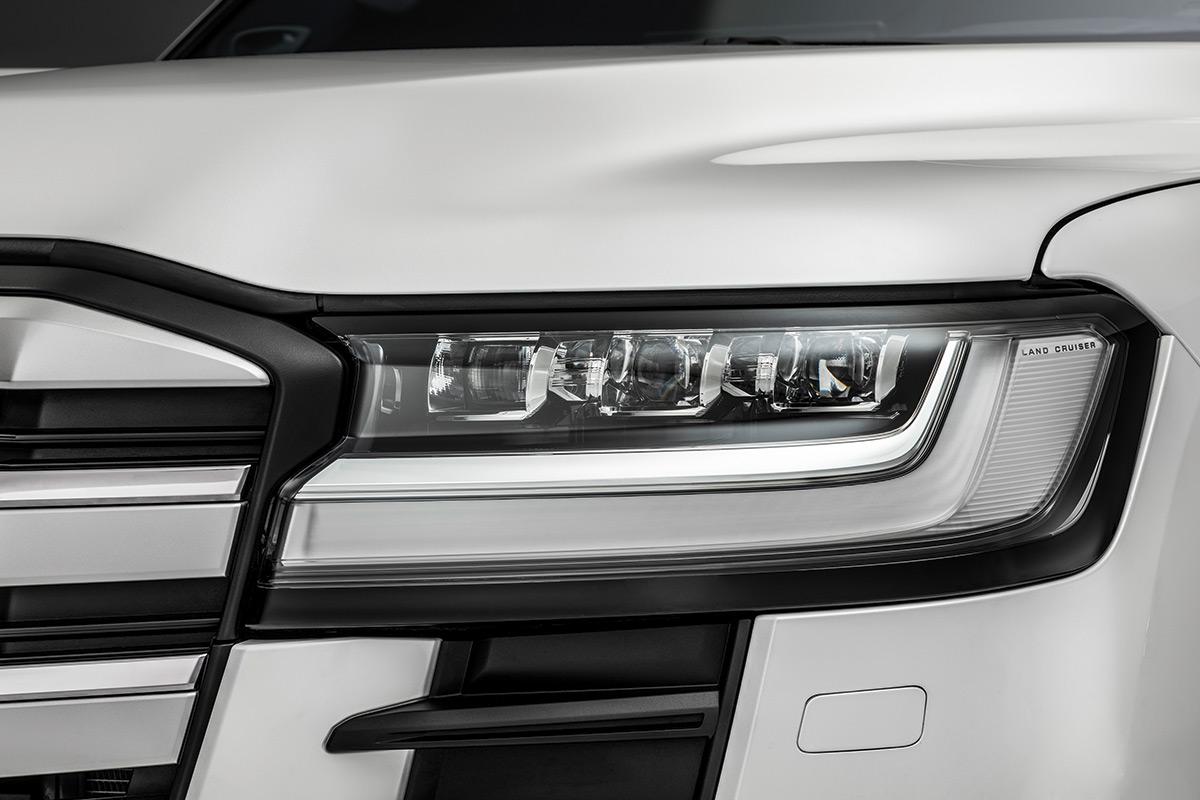 "Светодиодная оптика Toyota Land Cruiser 300 <div id=""gtx-trans"" style=""position: absolute; left: -284px; top: -4px;""> <div class=""gtx-trans-icon""></div> </div>"