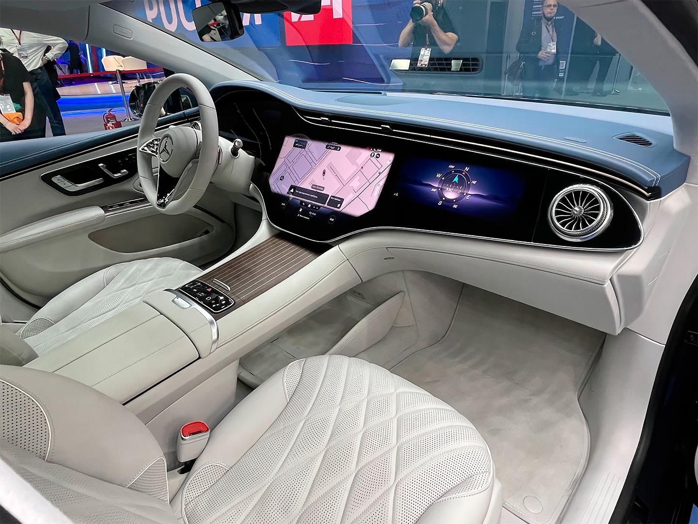<p>Если заглянуть внутрь Mercedes-Benz EQS&nbsp;&mdash; можно подумать, что оказался в &laquo;Энтерпрайзе&raquo; из &laquo;Звездного пути&raquo;.</p>