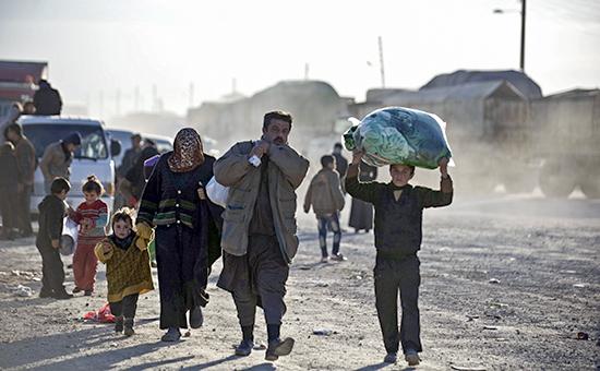 Беженцы на турецко-сирийской границе. Февраль 2016 года