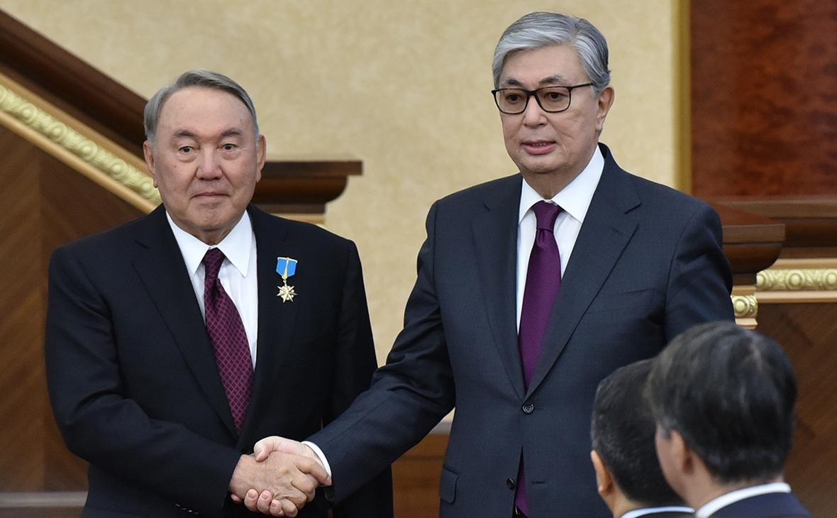 Касым-Жомарт Токаев (справа) и Нурсултан Назарбаев