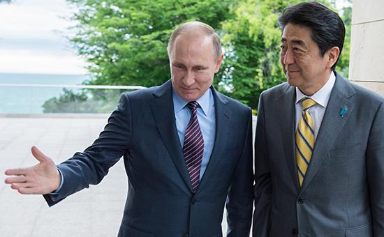 Президент России Владимир Путин ипремьер Японии Синдзо Абэ, май 2016 года