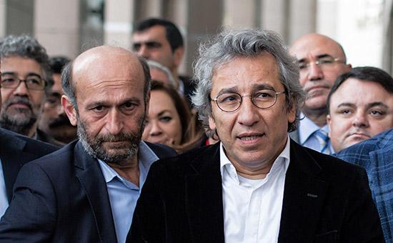 В Турции арестовали двух журналистов за статью о поставках оружия в Сирию