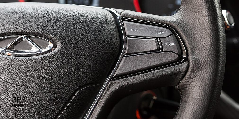Круиз контроль активен на скоростях от 40 до 130 км/ч.
